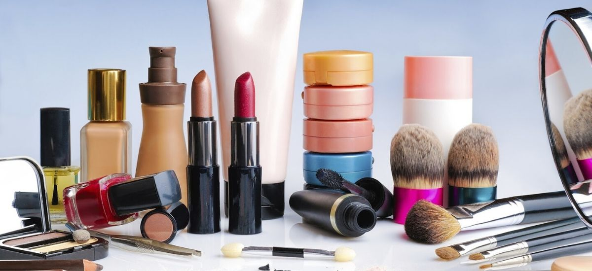 Rent-able-Cosmetics-&-Other-Marketing-Schemes-For-Womenfolk